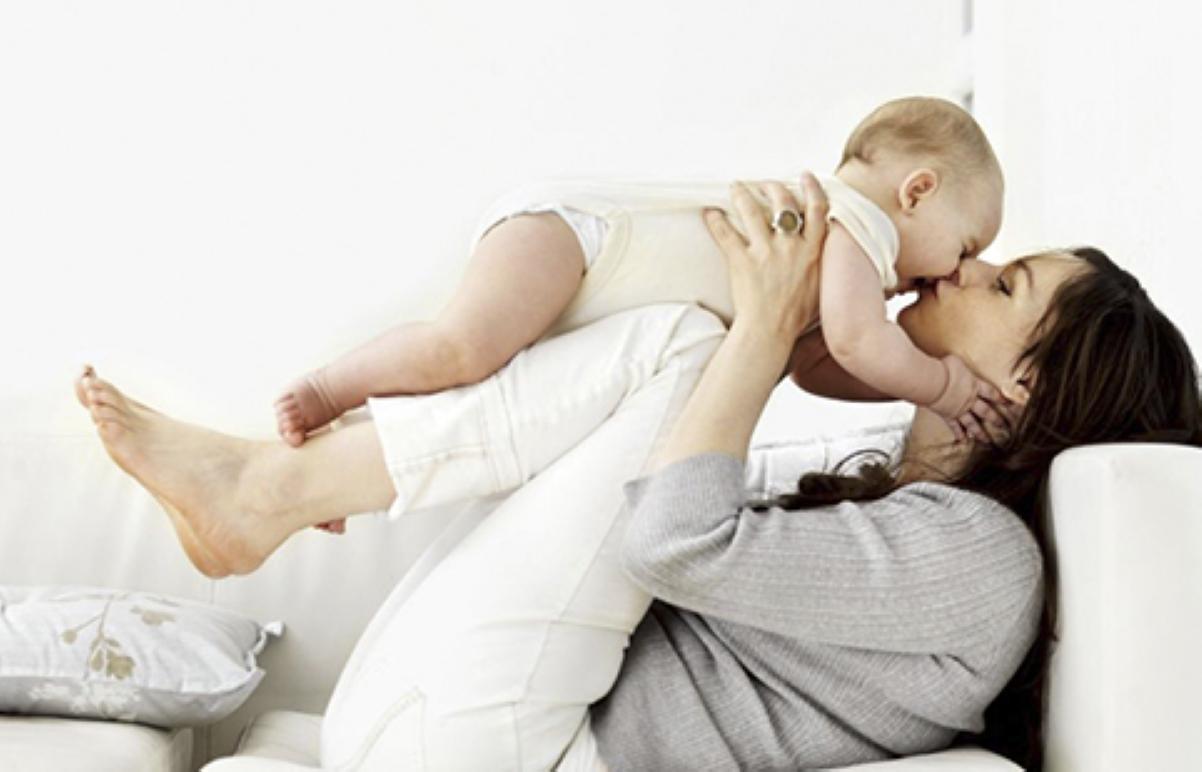 Бросил беременную мать одиночка